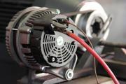 Revisie van alternatoren voor auto en hybride wagens. Ruilalternatoren.